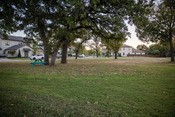 148 Summersby Lane, Fort Worth