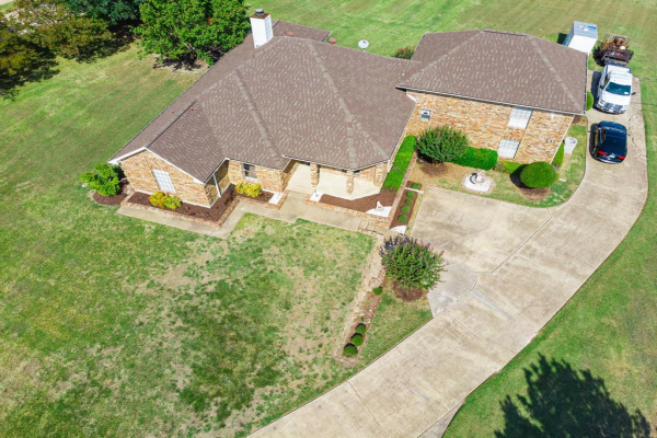 19 Lovers Lane, Forney