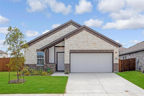2074 Crosby Drive, Forney