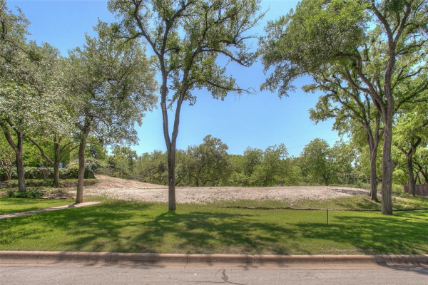 417 Crestwood Drive, Fort Worth
