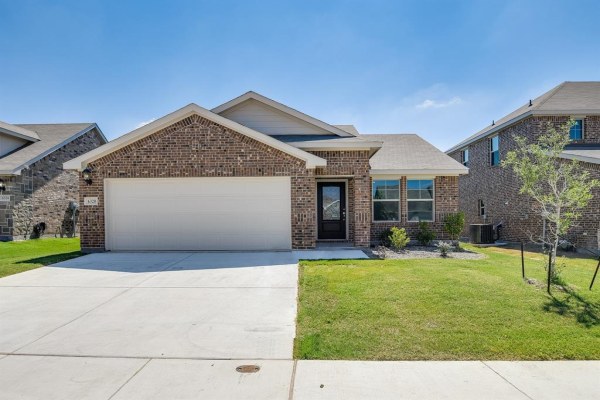 6320 Armadillo Court, Fort Worth