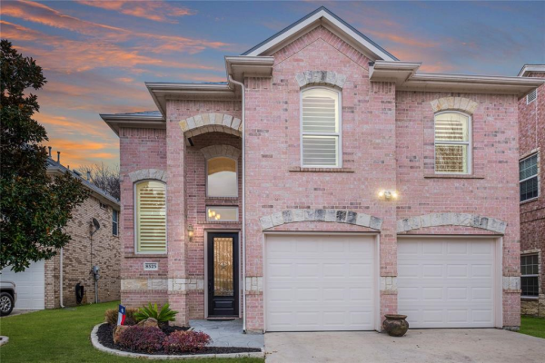 8525 Sunset Cove Court, Fort Worth