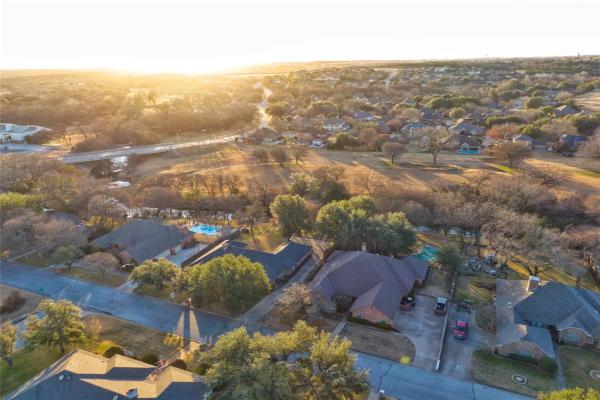 11901 Blue Creek Drive, Fort Worth
