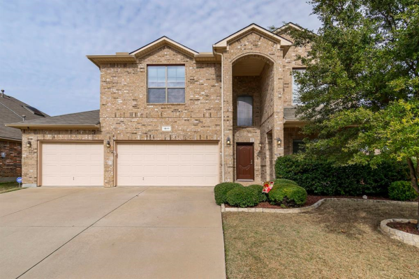 1511 Deer Crossing Drive, Arlington