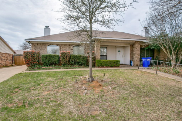 2909 Post Oak Drive, Euless
