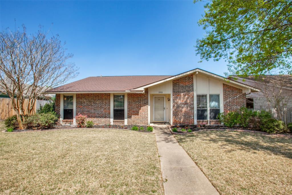 2921 Spring Brook Drive, Garland