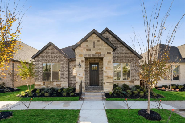 1818 Spotted Fawn Drive, Arlington