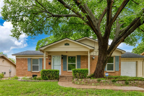 908 Henslee Drive, Euless