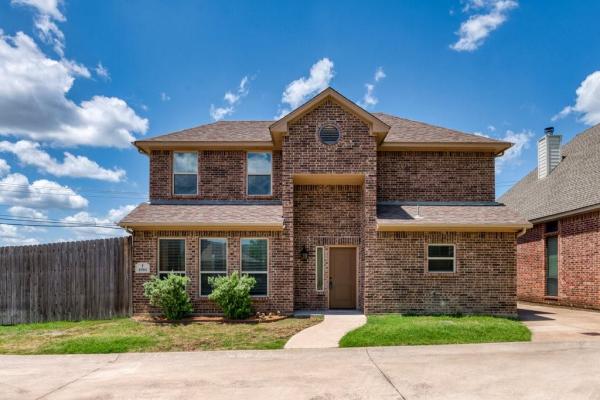 4904 Ridglea Hills Court, Fort Worth