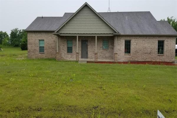 915 Southgate Court, Farmersville