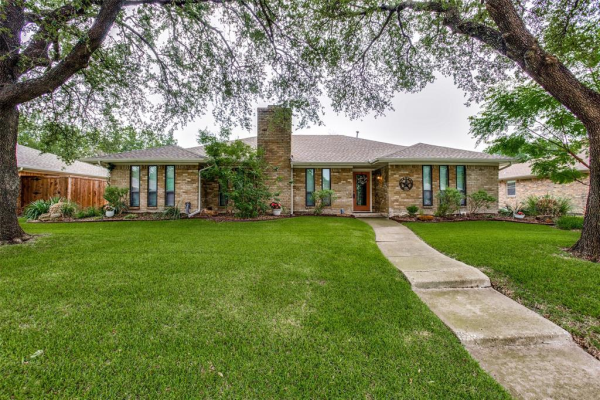 2916 Canyon Valley Trail, Plano