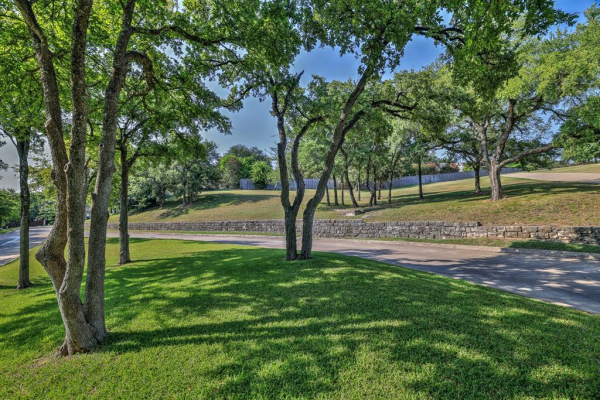 6408 Hawthorne Park Drive, Fort Worth