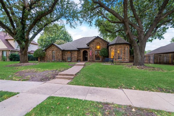 1317 Waterford Place, Garland