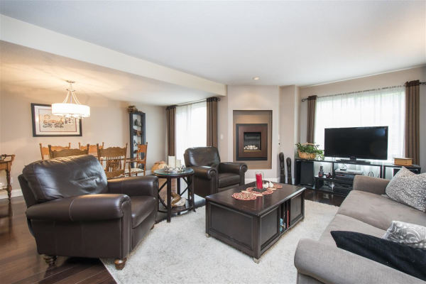 203 3980 INLET CRESCENT, North Vancouver