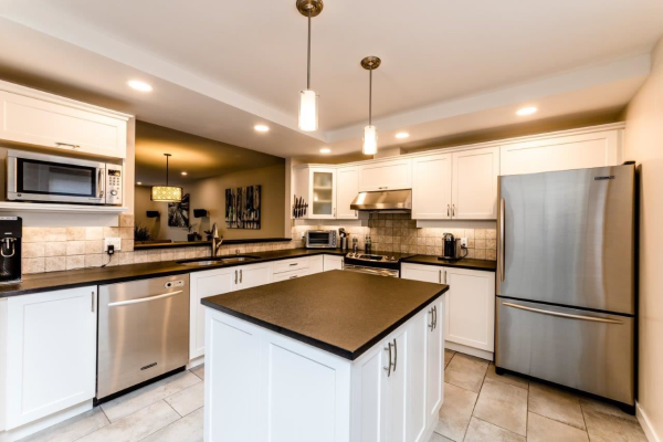 609 1500 OSTLER COURT, North Vancouver