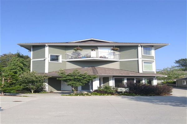 301 624 SHAW ROAD, Gibsons