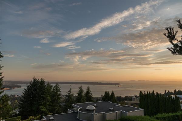 1502 CHIPPENDALE ROAD, West Vancouver