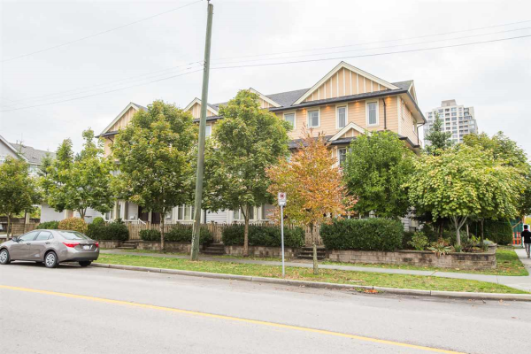 7012 GRIFFITHS AVENUE, Burnaby
