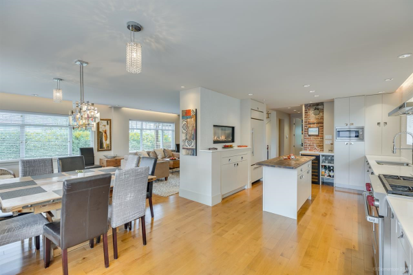 554 W 22ND AVENUE, Vancouver