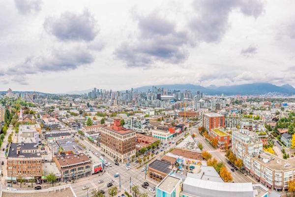 2210 285 E 10TH AVENUE, Vancouver