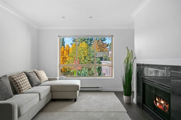 206 150 W 22ND STREET, North Vancouver