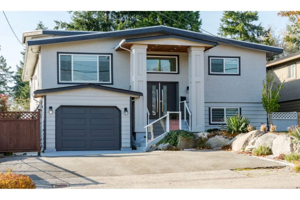 1045 STAYTE ROAD, White Rock