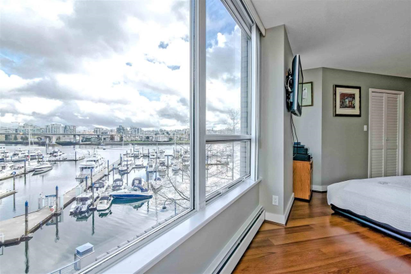 308 1228 MARINASIDE CRESCENT, Vancouver