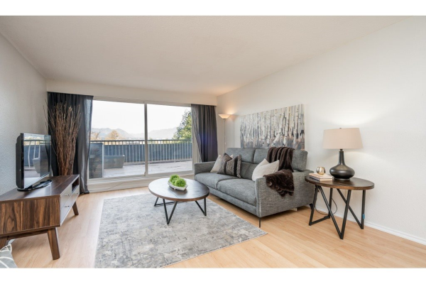 615 774 GREAT NORTHERN WAY, Vancouver