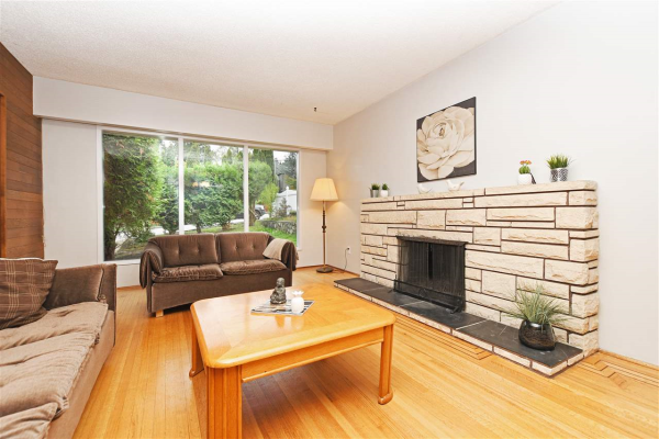325 HOLMES STREET, New Westminster
