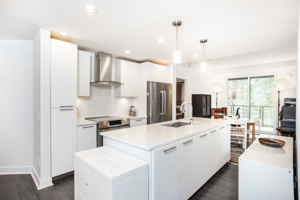 307 733 W 3RD STREET, North Vancouver