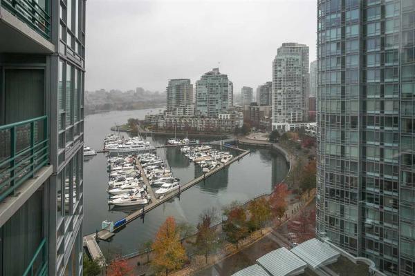 1801 1033 MARINASIDE CRESCENT, Vancouver