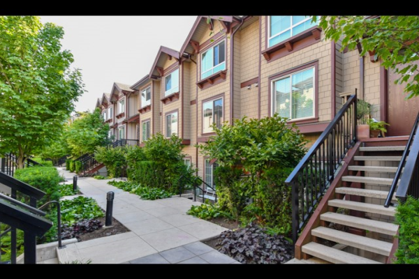 52 433 SEYMOUR RIVER PLACE, North Vancouver