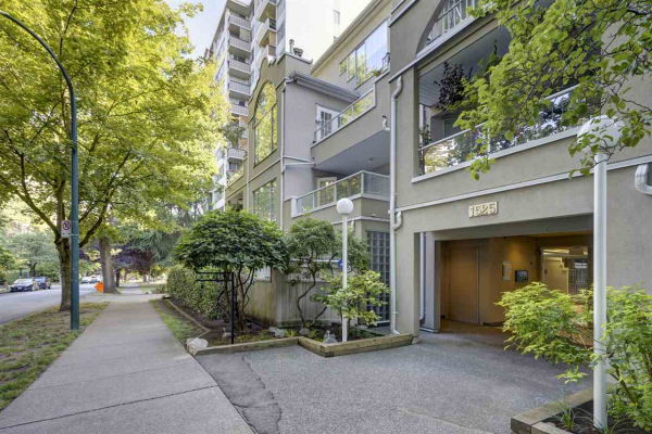 306 1525 PENDRELL STREET, Vancouver
