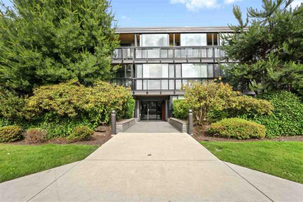 207 2770 BURRARD STREET, Vancouver
