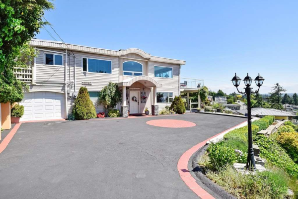 15585 PACIFIC AVENUE, White Rock