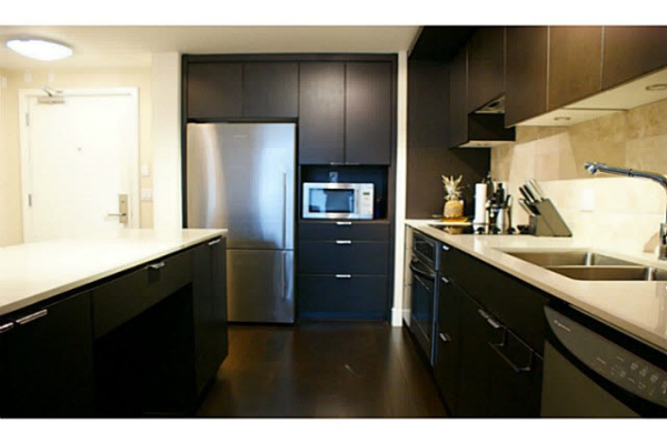 201 158 W 13TH STREET, North Vancouver