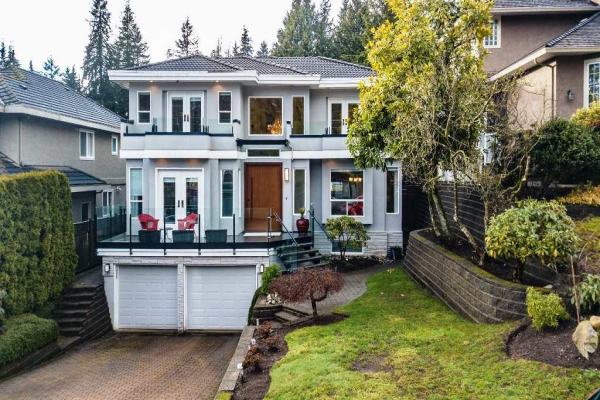 1725 ORKNEY PLACE, North Vancouver