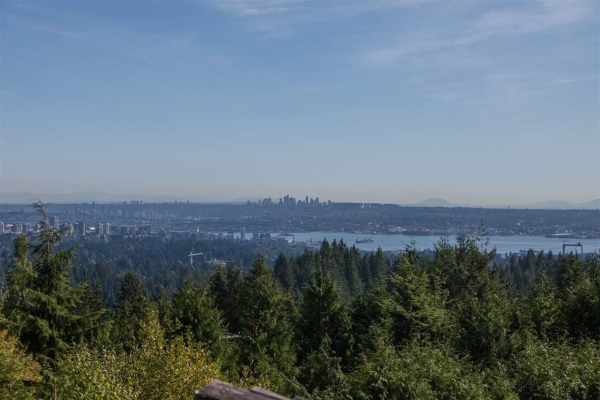570 ST. ANDREWS PLACE, West Vancouver