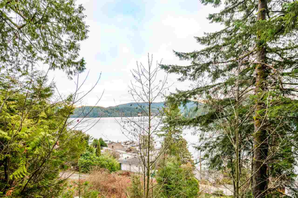 2691 PANORAMA DRIVE, North Vancouver