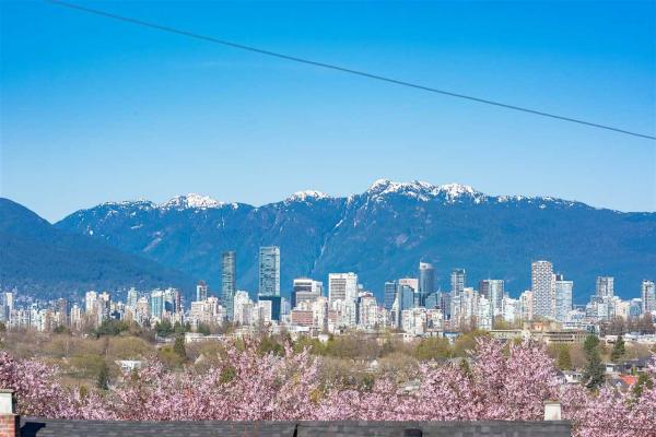 3105 W 24TH AVENUE, Vancouver