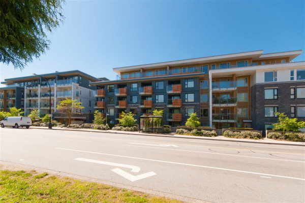 7 221 E 3RD STREET, North Vancouver