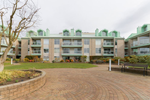2103 33 CHESTERFIELD PLACE, North Vancouver