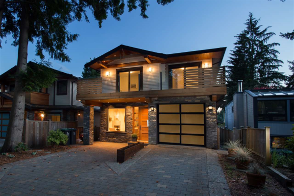 1079 CANYON BOULEVARD, North Vancouver
