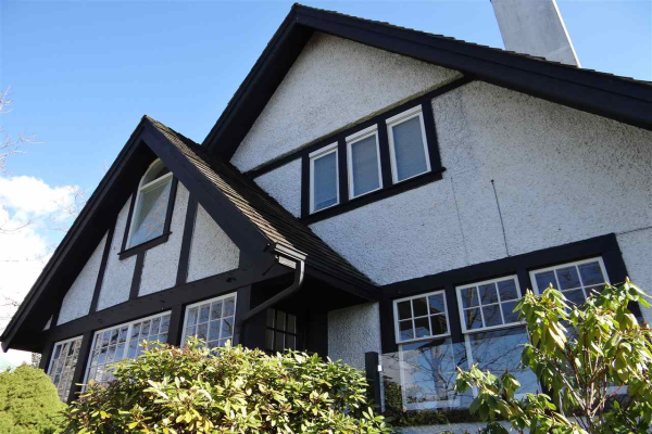 1160 GRAND BOULEVARD, North Vancouver