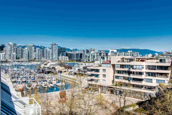 303 673 MARKET HILL, Vancouver