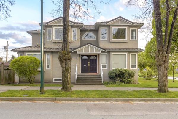 3418 E GEORGIA STREET, Vancouver