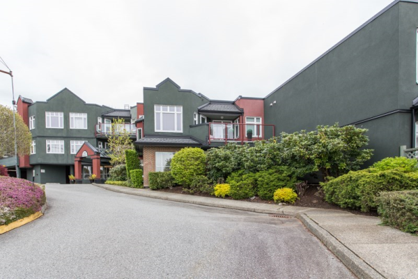 204 2800 CHESTERFIELD AVENUE, North Vancouver