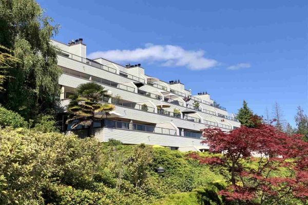 12 2246 FOLKESTONE WAY, West Vancouver