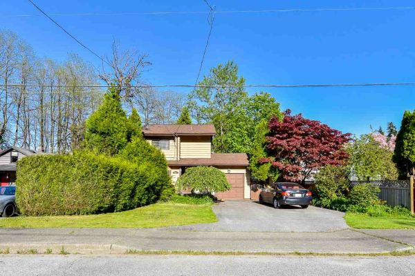 582 COLBY STREET, New Westminster