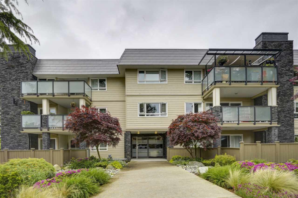 305 1371 FOSTER STREET, White Rock